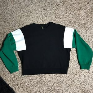 Color block sweatshirt size medium green black